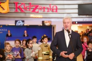 Стойки Barrier Belt работают в детском парке профессий KidZania